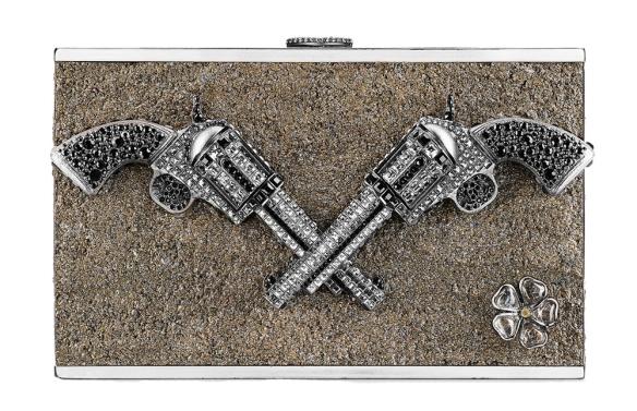 Chanel-Strass-Pistol-Minaudiere
