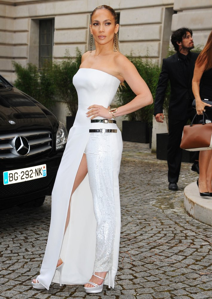 J lo at the versace atelier haute couture revival by laurence ourac laurence ourac Jennifer lopez fashion style 2014
